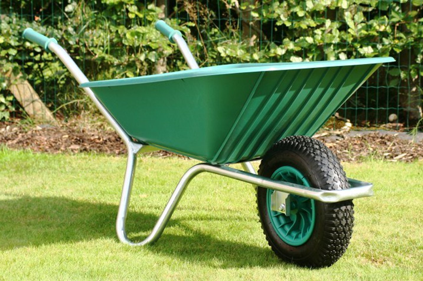 Country Clipper - Best Wheelbarrow