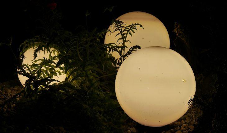 9 Backyard Garden Lighting Ideas